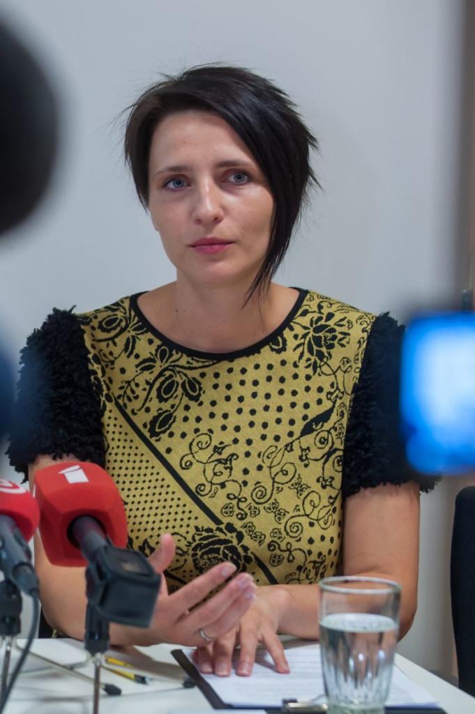 Inga Akmentiņa-Smildziņa, kampaņa Necel roku