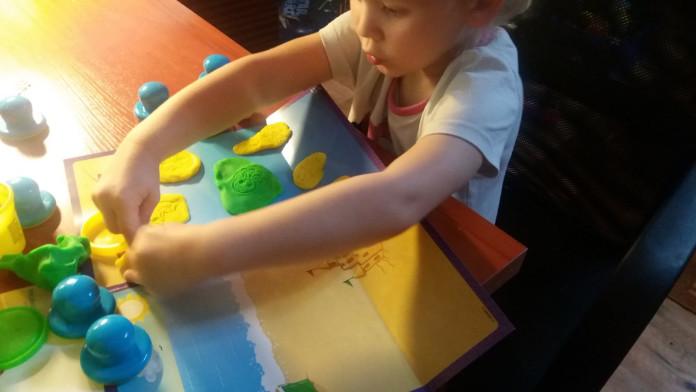 play-doh plastilīns