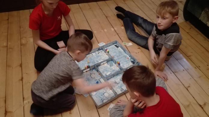 galda spēle bērniem
