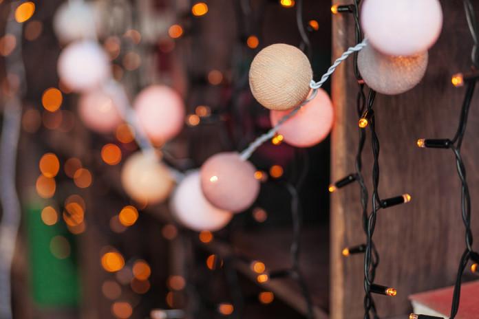 Ziemassvētku gaismas virtenes