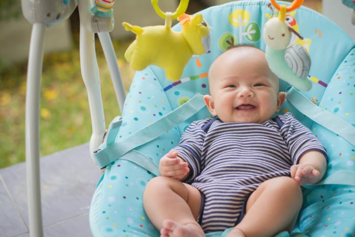Mazulis un šūpuļkrēsls