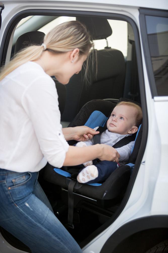 Mazulis autosēdeklītī